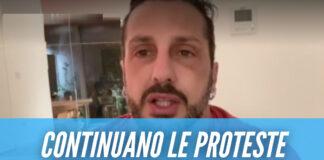 Fabrizio Corona si ferisce per protesta, la madre Gabriella: «Ha sofferto come un cane»