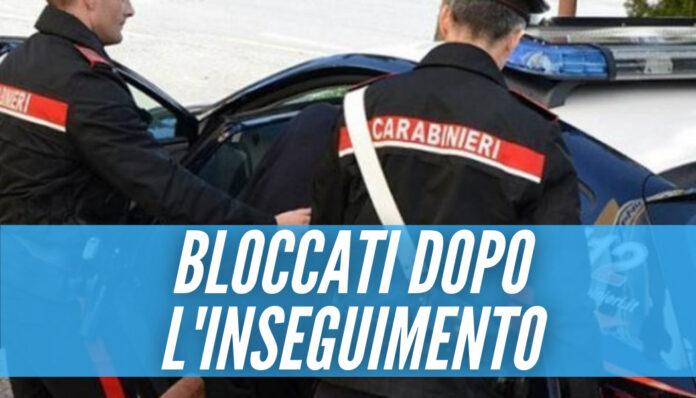 Nascondono una pistola e scappano, arrestati 2 minorenni in provincia di Napoli