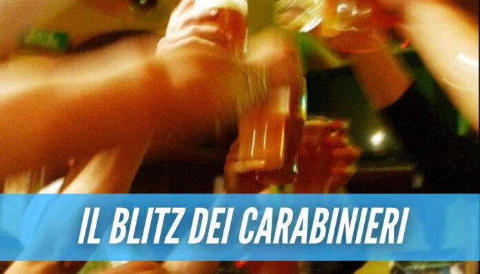 Il Covid non ferma le feste a Napoli, scoperto assembramento in un appartamento