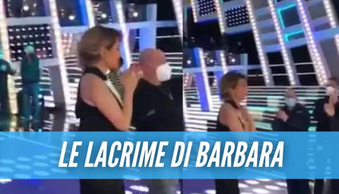 Barbara D'Urso in lacrime, il video a telecamere spente dopo la chiusura di 'Live non è la D'Urso'