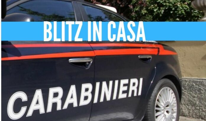 carabinieri blitz casa