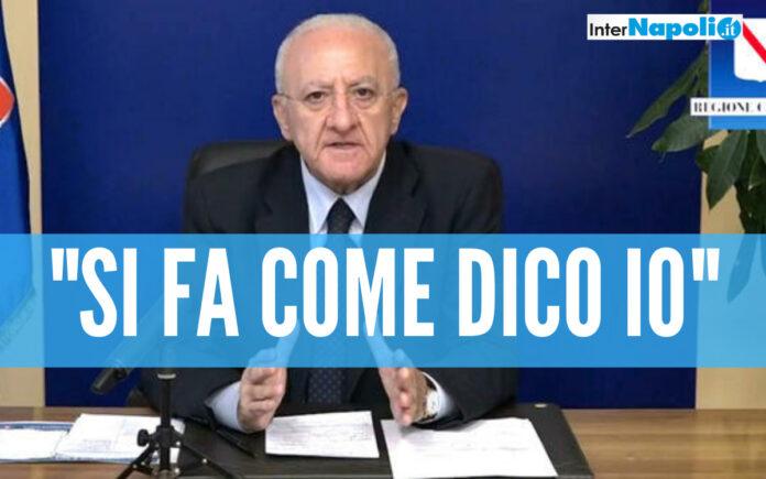 De Luca annuncia altre restrizioni: