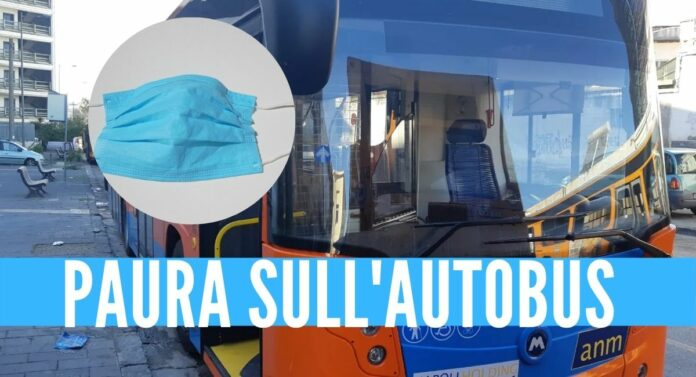 mascherina napoli bus