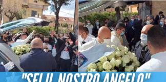 'Musica leggerissima' e l'ultimo gavettone con lo champagne, l'addio degli amici a Gennaro Nappa