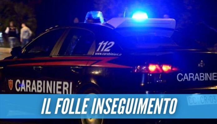 Scappa all'alt dei carabinieri e si schianta contro un palo, ferito 18enne in provincia di Caserta