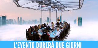 'Dinner in the Sky' arriva in Campania: pranzo, cena e aperitivi a 50 metri d'altezza