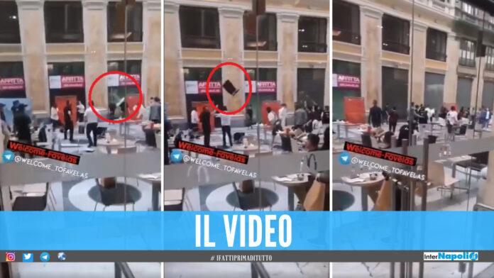 Frame video della rissa alla Galleria Umberto I di Napoli (Francesco Emilio Borrelli - 'Welcome to Favelas')