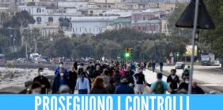 Ritorna la 'movida' a Napoli, persone in strada senza mascherine: 55 multati