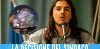 Bacoli, il sindaco Josi Della Ragione vieta i fuochi d'artificio: «Pericolosi per cani e gatti»