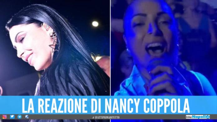 Nancy Coppola attaccata, la cantante non risponde alle provocazione: «Vi dedico un sorriso»