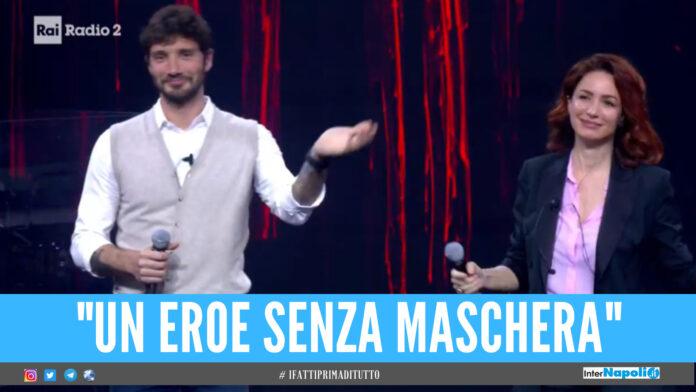 Stefano De Martino eroe, il ballerino 'salva' una conduttrice: «Mi ha preso in braccio e soccorso»
