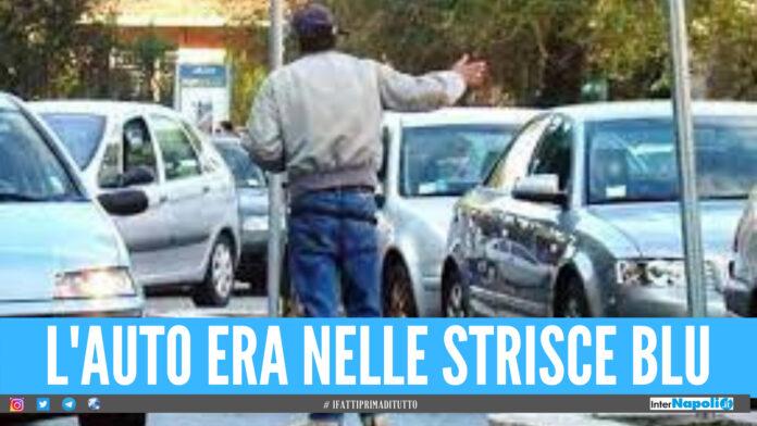 Napoli. Rifiuta di pagare il parcheggiatore abusivo, minacce e danni all'auto