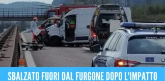 Sbalzato fuori dal furgone dopo l'incidente, Aversa in lacrime per la morte di Antonio