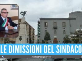 Terremoto politico a Caivano, si è dimesso il sindaco Enzo Falco