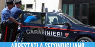 Rubano lo stereo da un'auto già rubata, arrestati 2 ladri a Secondigliano