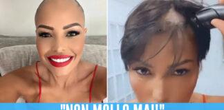 Carolina Marconi, il video mentre taglia i capelli su Instagram: «Mai mollare»