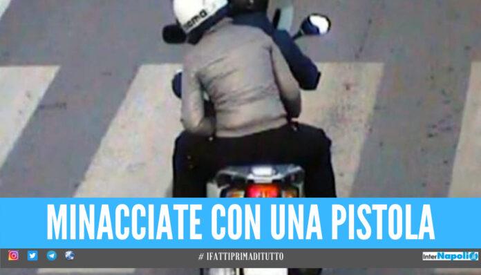 Rapina a bordo di uno scooter a Napoli, 2 donne ferite: una è in gravi condizioni