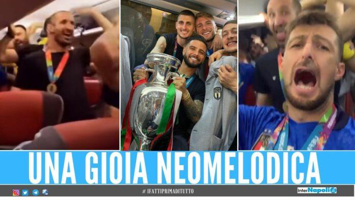 italia neomelodica I giocatori dell'Italia pazzi per il neomelodico, i video dei cori in pullman