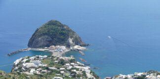 Ischia un viaggio in totale sicurezza tra mare e storia