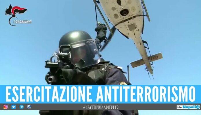 Simulato attacco terroristico con feriti e ostaggi, Napoli si prepara al G8
