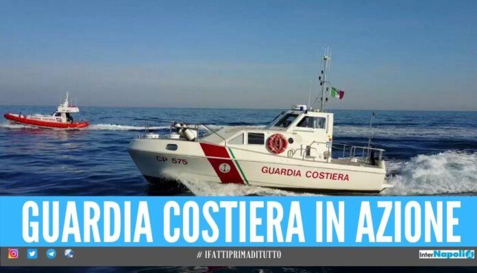 guardia di costiera Soccorsi sulle spiagge a Napoli, malori in mare e incidenti sugli scogli