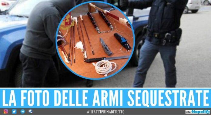 Girava per le strada con l'arma dei ninja e l'arco, bloccato a Ischia