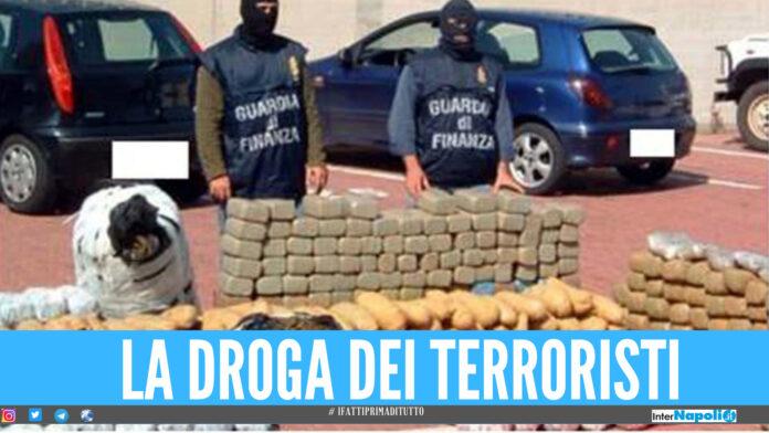 Blitz della Finanza di Napoli, sequestrati nel porto quintali di droga dell'Isis