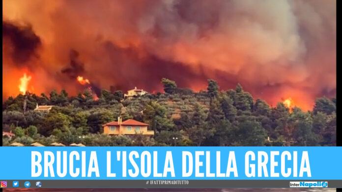 [VIDEO]. Disastro e paura sull'isola della Grecia, maxi incendio devasta case e villaggi
