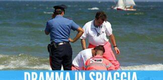 mare tragedia spiaggia mare ambulanza carabinieri