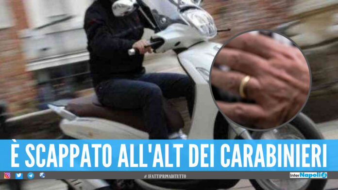 Ruba la fede nuziale ad un uomo in provincia di Napoli, il ladro cade dallo scooter e viene arrestato