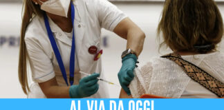 vaccino covid napoli