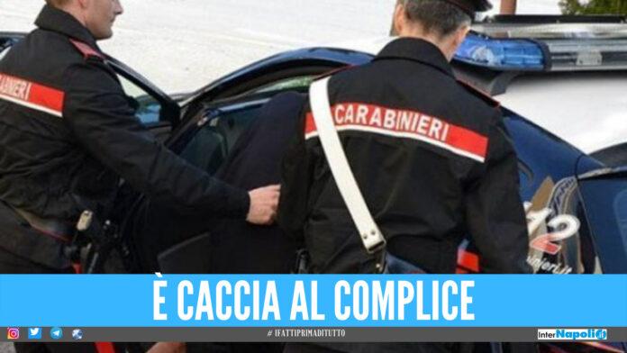 Inseguimento a Trentola, scappa dai carabinieri e viene arrestato: aveva rubato una pistola