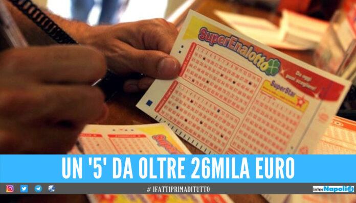 La Dea Bendata bacia Napoli, vinti oltre 26mila euro al SuperEnalotto