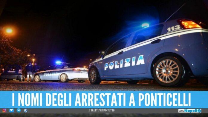 Mitraglietta puntata contro la polizia, 5 arresti dopo la fuga a Ponticelli
