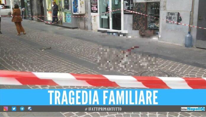Tragedia a Napoli, bimbo di 4 anni muore dopo la caduta dal balcone