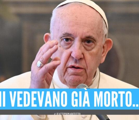 """""""Mi volevano già morto"""", la rivelazione choc di Papa Francesco"""