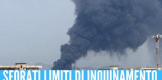 """Incendio di Teverola-Carinaro, l'Arpac: """"Dai primi rilievi superati limiti di inquinamento"""""""