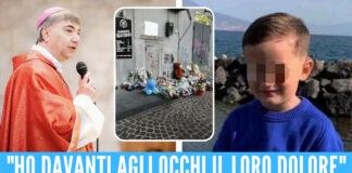 L'arcivescovo di Napoli Mimmo Battaglia e il piccolo Samuele Gargiulo