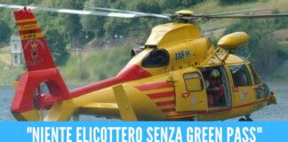 """Auto finisce nel lago di Garda, vietato elicottero ai soccorritori: """"Non hanno il green pass"""""""