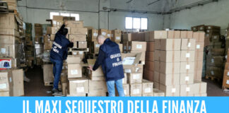 Blitz nei negozi cinesi di Napoli e provincia, sequestrati oltre 3 milioni di articoli pericolosi