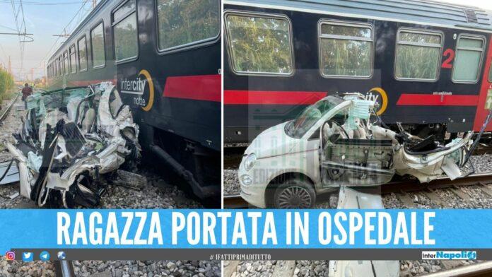 Auto travolta dal treno sulla linea Caserta-Napoli, Vigili del Fuoco in azione