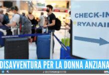 Anziana sordomuta sbaglia il volo in aeroporto, si trova in Polonia ma era diretta a Bologna