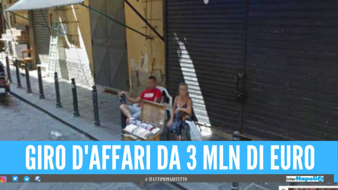Patto tra clan per il business delle bancarelle: 67 indagati tra Napoli e provincia